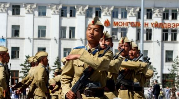 Залуус цэрэгт дайчлагдан, ажил хийхийн буруу гэж байхгүй