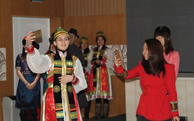 """""""Монгол хэл хэн сайн мэдэх вэ?"""" тэмцээн боллоо"""