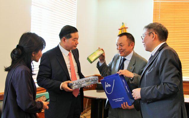 БНСУ-аас Монгол Улсад суугаа Онц бөгөөдБүрэн Эрхэт Элчин сайд Чун Жэ Нам МУИС-д айлчиллаа