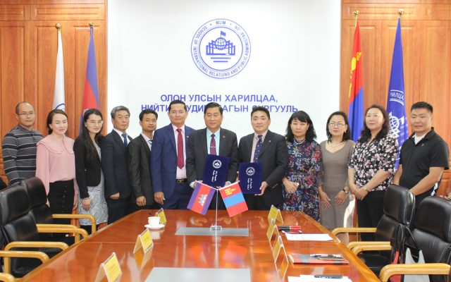Signing ceremony and guest lecture of Cambodian delegation