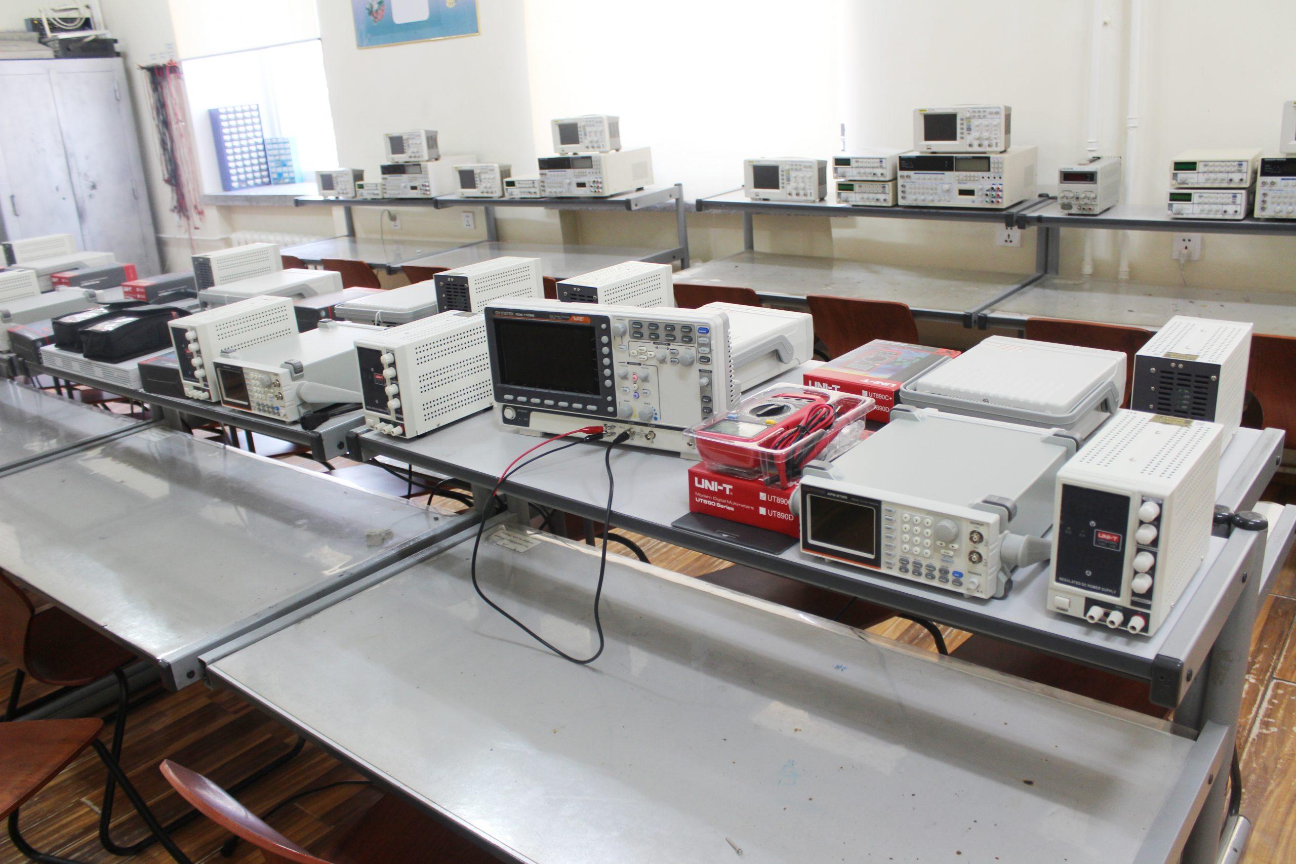 ЭХИТ-ийн сургалт судалгааны лабораториудад 25 сая төгрөгийн үнэ бүхий тоног төхөөрөмж худалдан авч сургалт, судалгаанд ашиглаж эхэллээ
